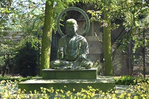 Buddha figure at Amsterdam Zoo